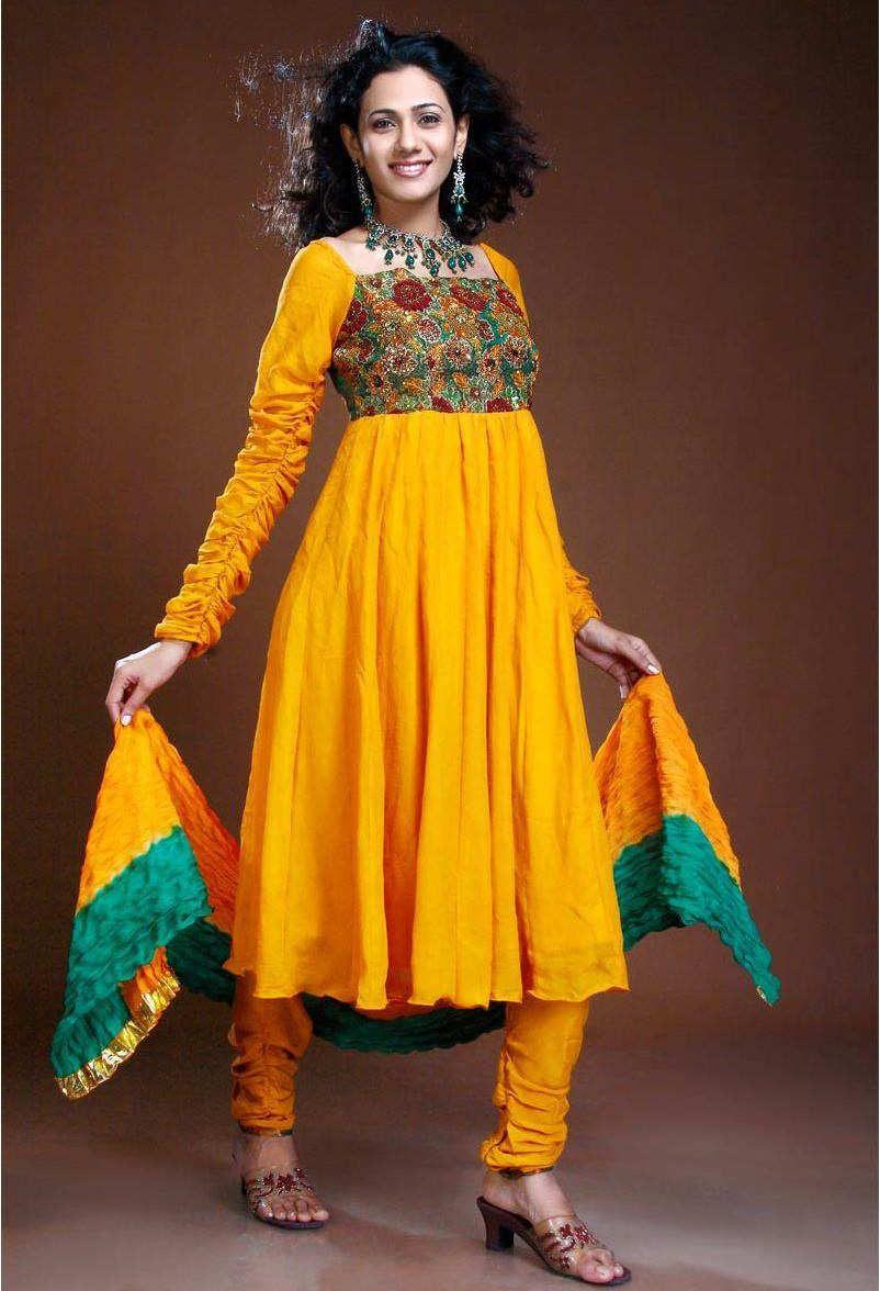 Indian Dress Designs | Indian and Pakistani Bridal Mehndi Dress ...