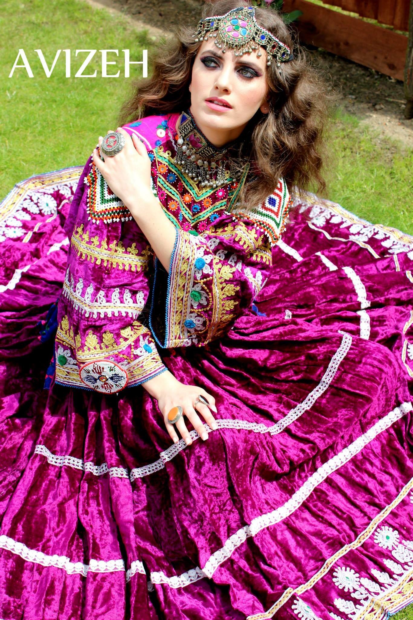 Pin de Queen Naaz en Afghani Dress And Style | Pinterest