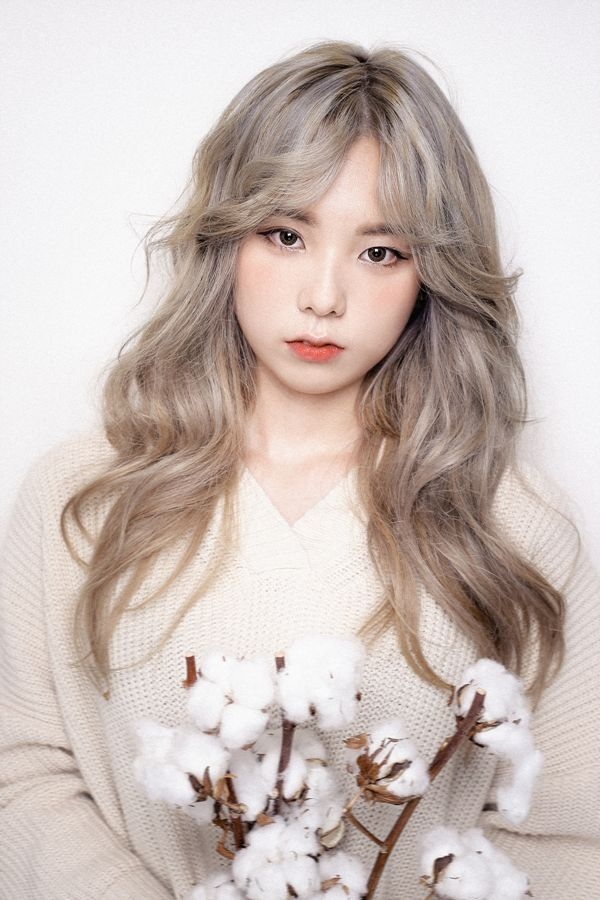 Another Potentially Interesting Color For Framing Highlights Korean Hair Dye Korean Hair Color Hair Color Asian