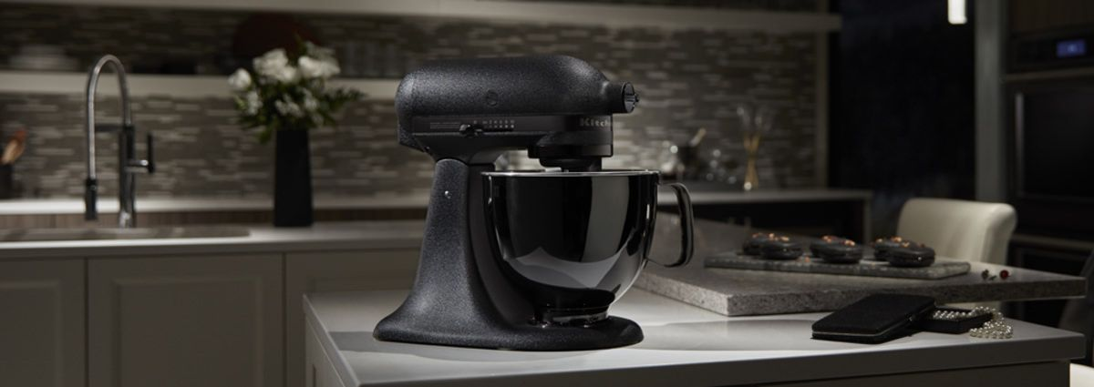 Kitchenaid Has A New All Black Stand Mixer Because 2017 Demands