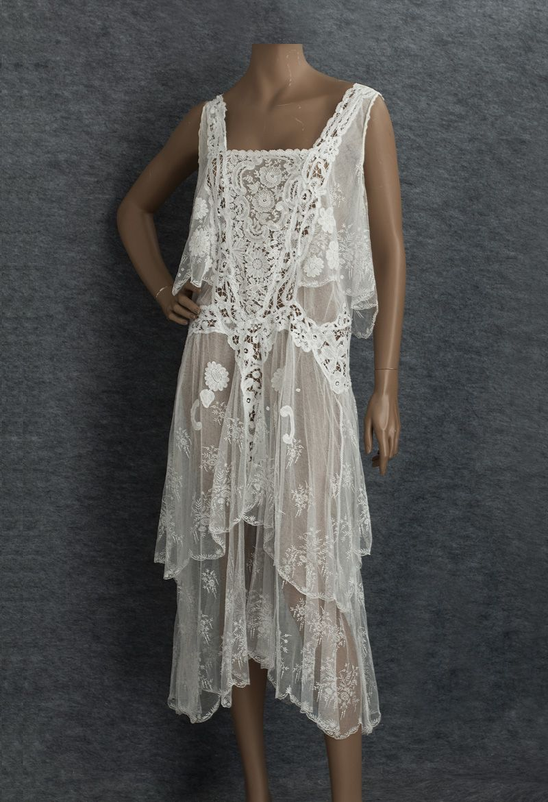 This mixed lace tea dress from 1929 combines handmade Brussels lace ... 4049e3b81