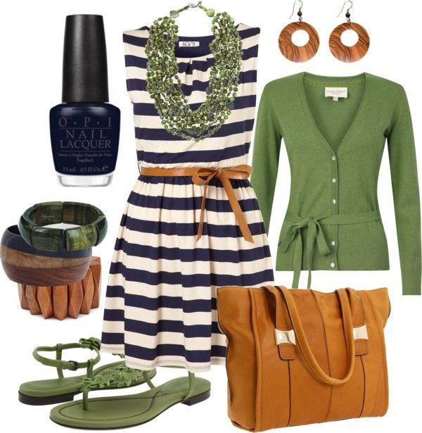 Navy & Green. That OPI navy nail color rocks:)