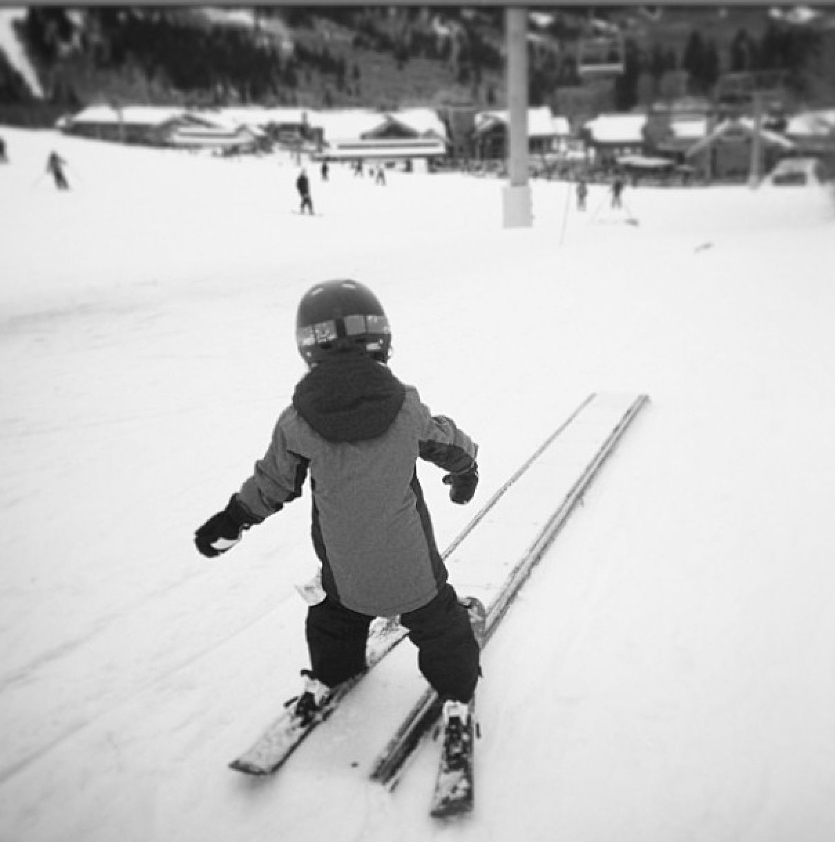 3 Years Old And Dominating The New Powder Puff Park Sbparks Skiing Rails Park Skiing Plein Air