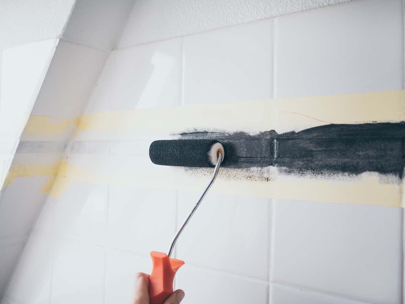Diy Fliesen Streichen Im Bad Badezimmer Makeover Teil 2 Yeah Handmade In 2020 Fliesen Streichen Diy Fliesen Fliesen