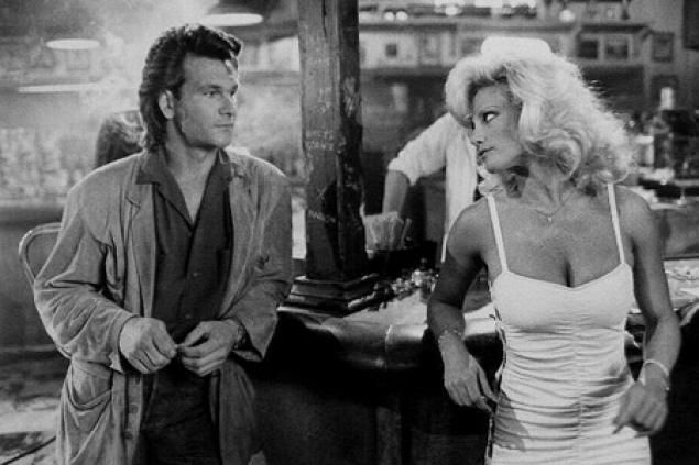 Patrick Swayze & Julie Michaels (Roadhouse 1989) Rowdy Herrington. Photo United Artists.