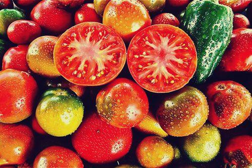 Los #Tomates ayudarían a prevenir el #Cancer  de mama > http://cort.as/7FuA