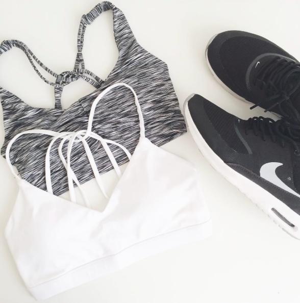 #forever21 sports bras + #nikewomen air max theas #fitspo