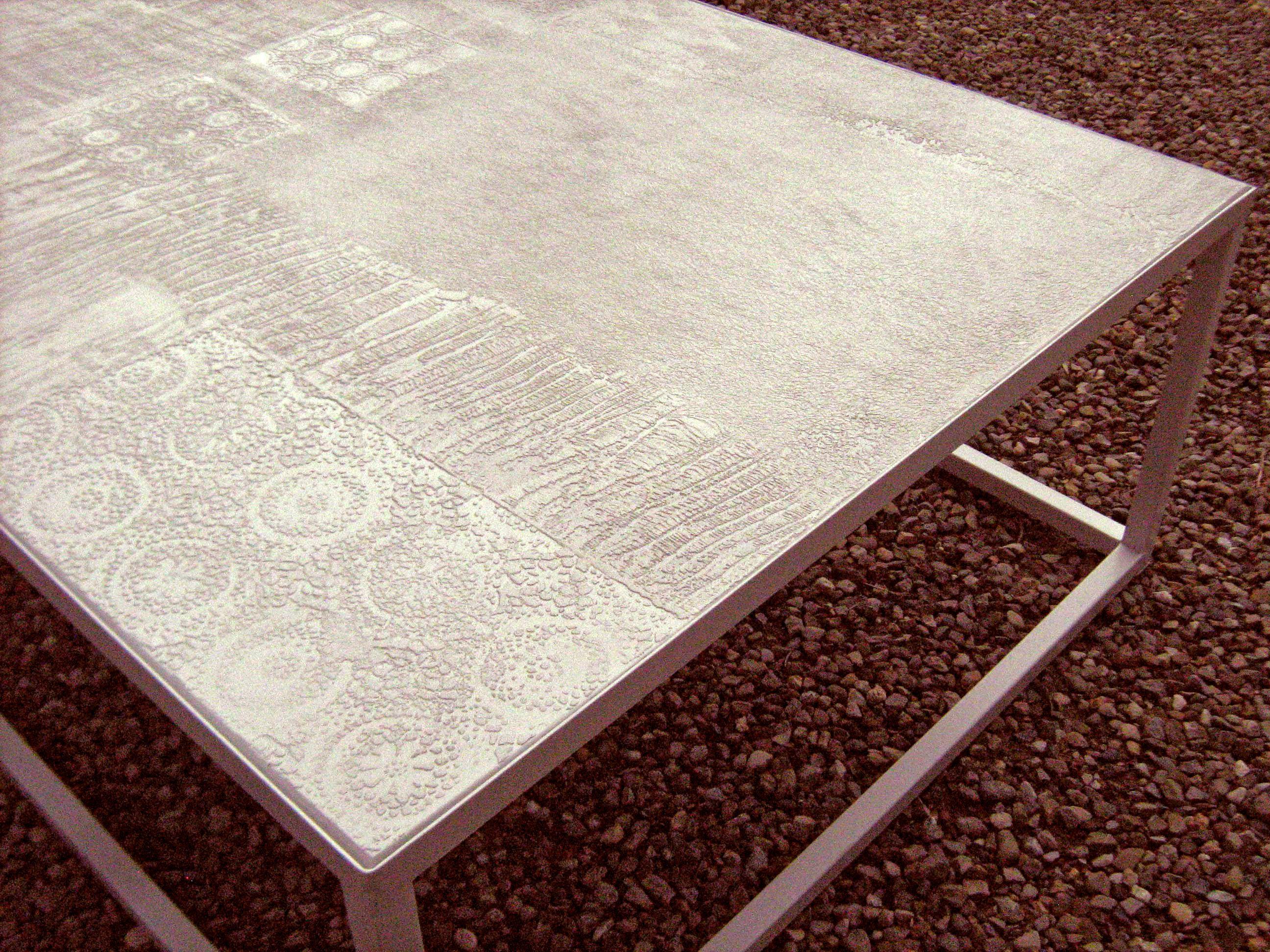 Tavolo In Cemento Da Giardino.Tavolo Da Giardino In Micro Cemento E Resina Decorazione A Testure