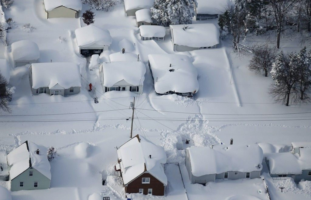 5 Things You Should Know About The Freaky Buffalo Snowstorm New York Snow Snow Today Snowy Pictures