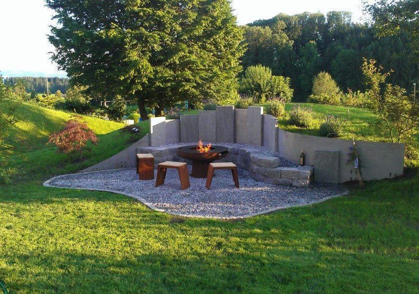 interessante variante für eine sitzecke bei unebenem gartengeläde, Gartenarbeit ideen