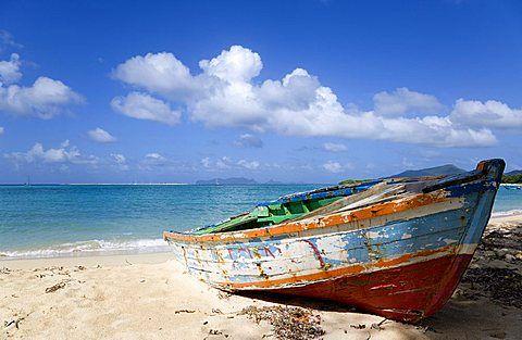 Resultado de imagem para old boat on the shore