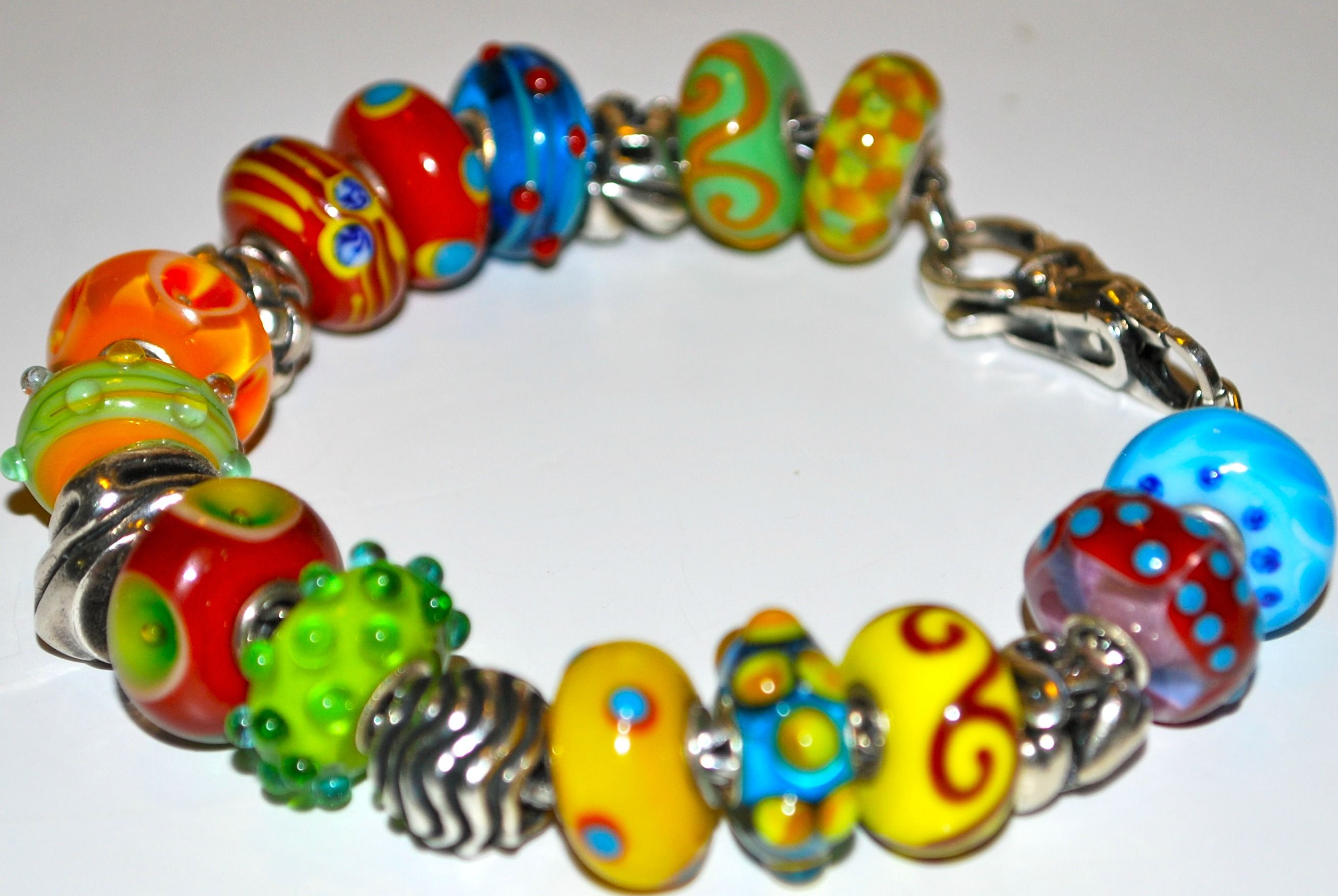 This bracelet is so lively and fun, perfect summertime party bracelet! <3 #trollbeads