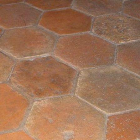 Terrakotta -laattalattia Kuusikulmio, ns. mehiläiskenno - Domus Classica verkkokaupasta