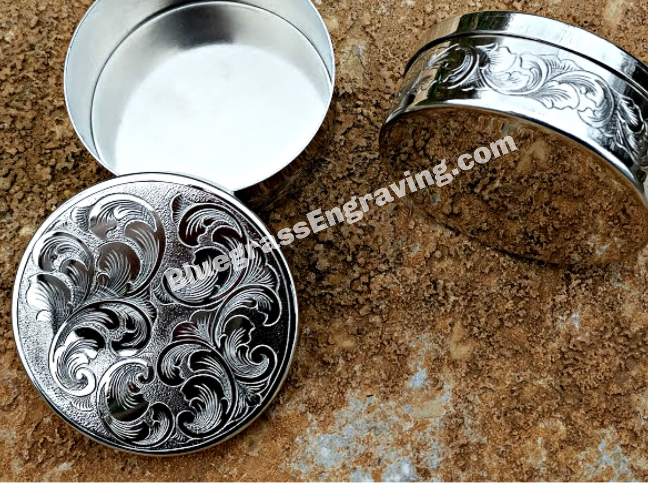 Full Coverage Scrollwork Adorns The Lid And Sides Of This Two Piece Dip Can Set Beautiful Gift Or Keepsake Also Appr Hand Engraving Can Lids Copenhagen Snuff
