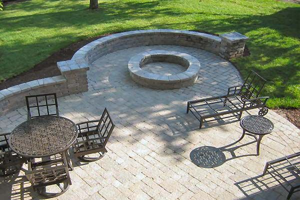 How To Build A Paver Patio Firepit Patios Patio Y Jardin Jardines