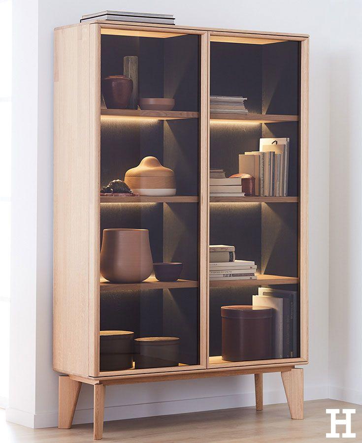 holz schrank wohnzimmer einrichtung, diese vitrine setzt lieblingsstücke perfekt ins szene. #möbel, Design ideen