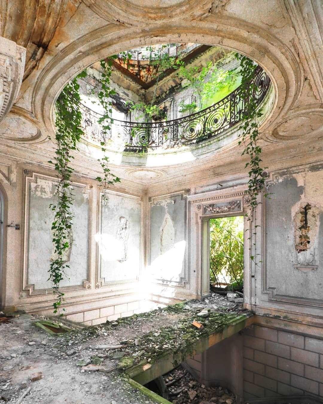 Abandoned Follow Www Missquantum Com Itsmissq Mansiones