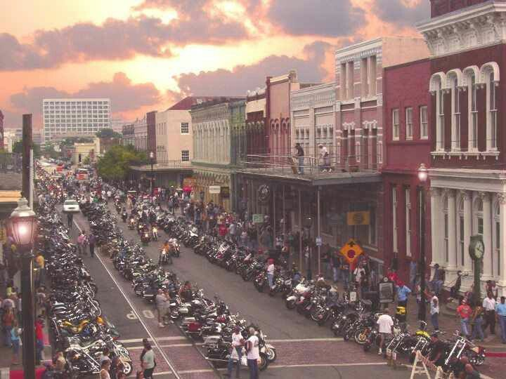 The Lone Star Bike Rally At Galveston With Hundreds Of Thousands