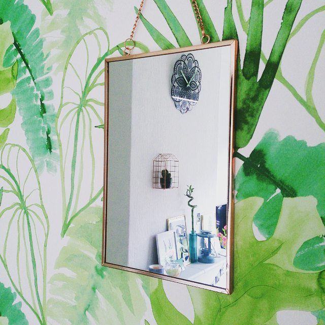 #xenos #home #homedecoration #interior #wallpaper #instahome #copper #decoration #leafs #print #palmprint #palm #mirror