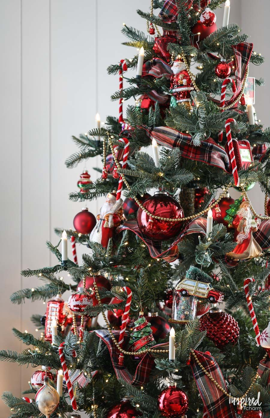 A Nostalgia-Inspired Christmas Tree #christmastree