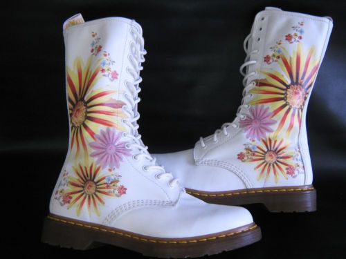 Dr martens air wair white flower burst floral 14 eyelets boots size dr martens air wair white flower burst floral 14 eyelets boots size 8 vgc mightylinksfo Image collections