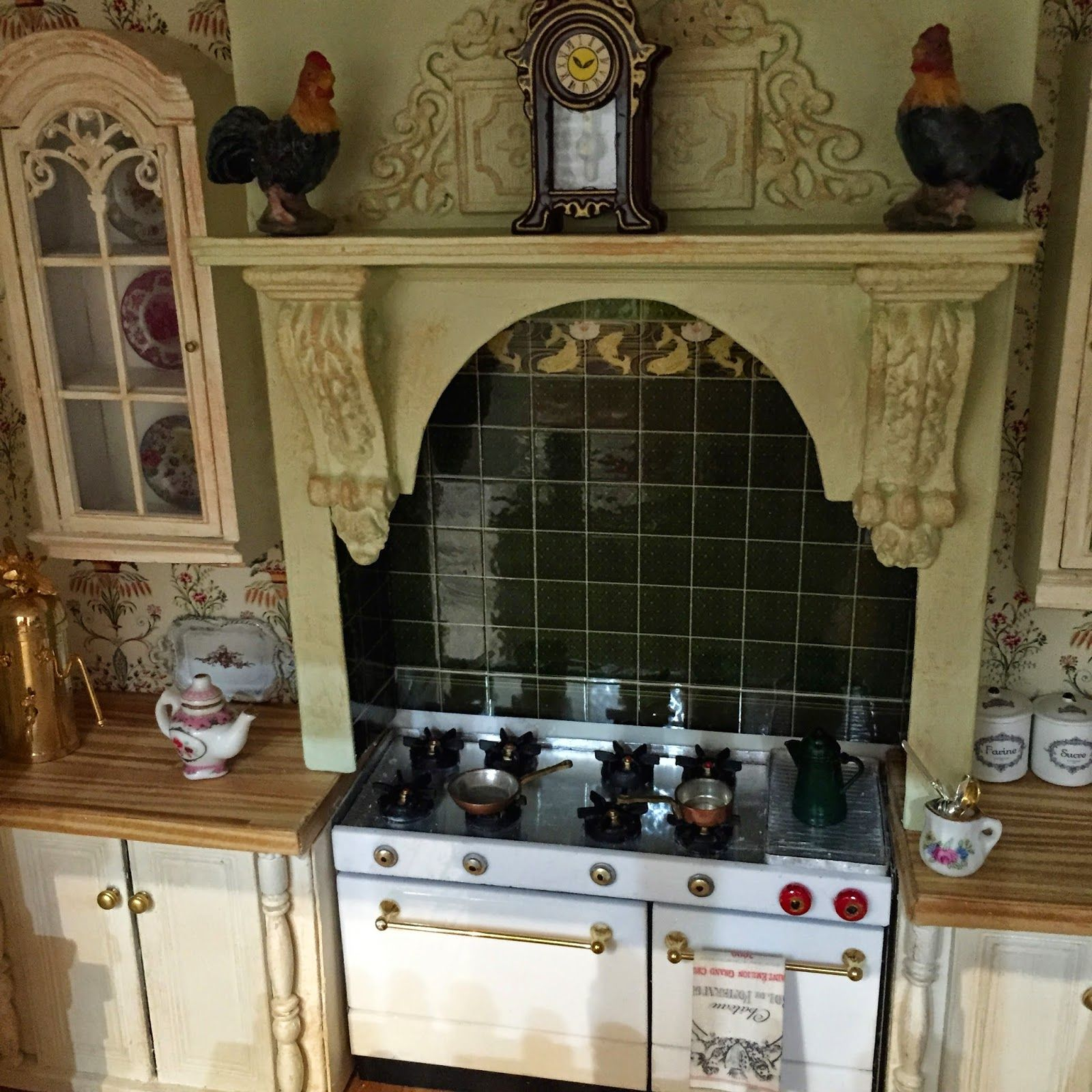 Maison Miniatures  elf miniature stove and a Beautiful Over Mantle!