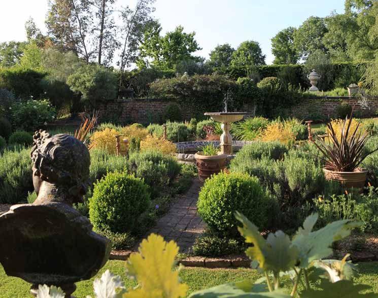 LES JARDINS DE LA MANSONIERE – REGION BASSE-NORMANDIE – DÉPARTEMENT DE L'ORNE « Le jardin des contrastes »