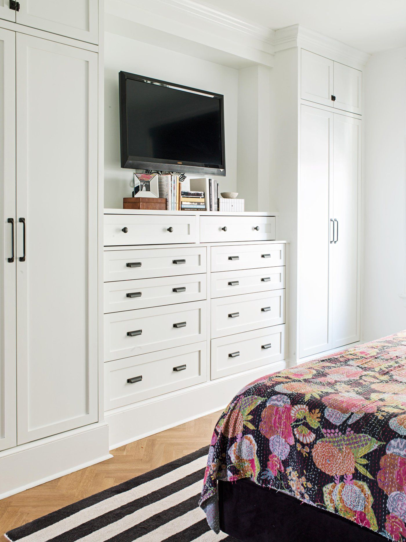 26 Clever Bedroom Storage Solutions for a More Organized ...