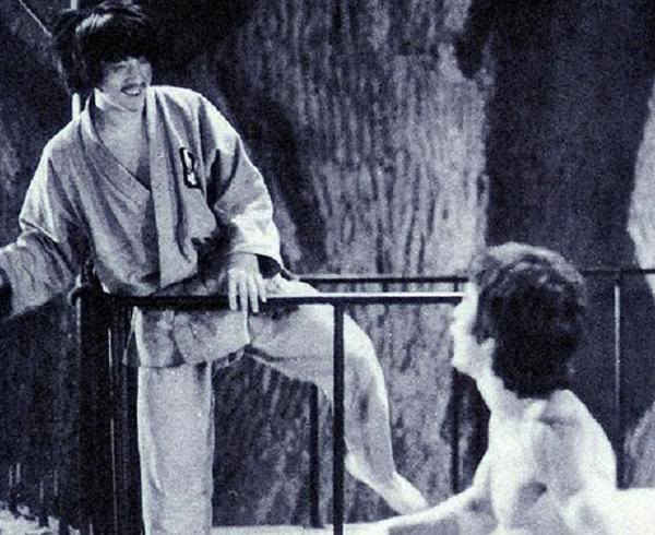 Bruce chatting it up with a young Jackie Chan on set of Enter the Dragon