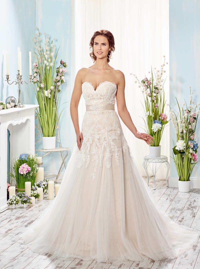Pin auf ♥ Prinzessin Brautkleid ♥