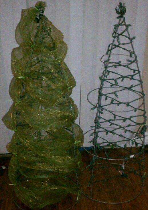Deco mesh Christmas tree made with a tomato cage and Christmas