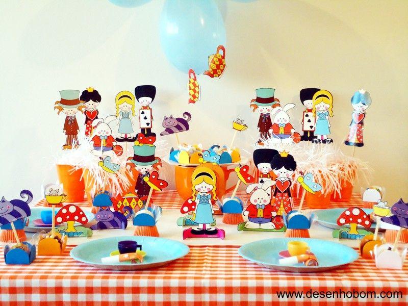 Papelaria: http://bonecasdepapeldenisebrandt.blogspot.com/2010/08/3-kits-da-alice-festa-para-10-criancas.html