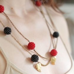 DIY this berry cute necklace!