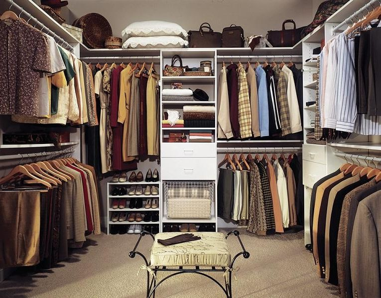 Well organized walk in closets ideas closet pinterest for Organized walk in closet