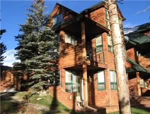 This one bedroom, two bathroom Soda Spring II condominium is a favorite among the staff at Key to the Rockies. Boasting 916 square feet of living space through a span of two levels, guests are able to...