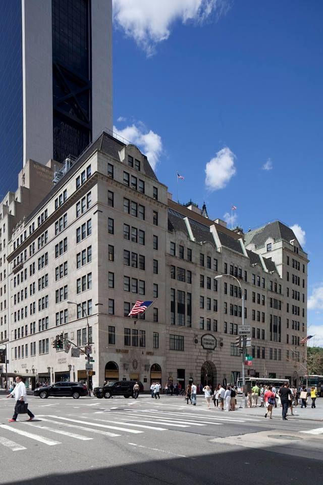 Bergdorf Goodman 754 Fifth Avenue Manhattan Nyc Bergdorf Goodman Nyc Nyc Exterior