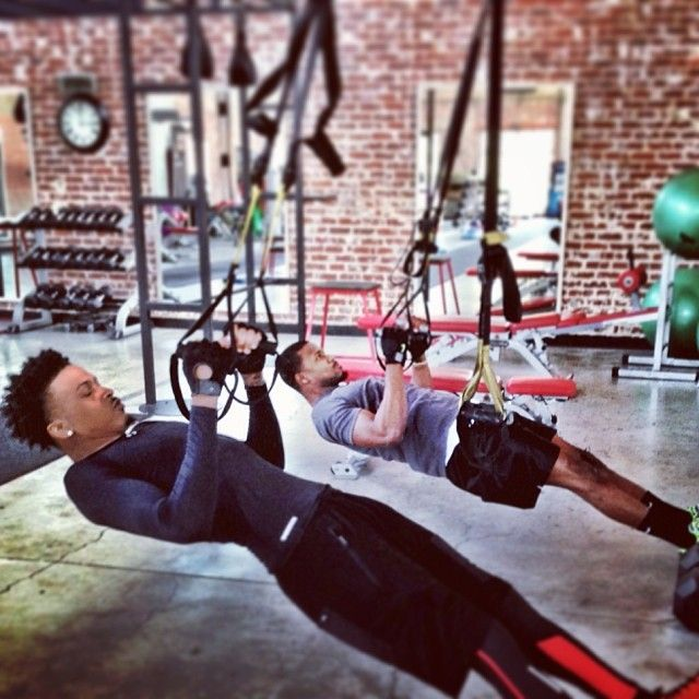 August Alsina working out
