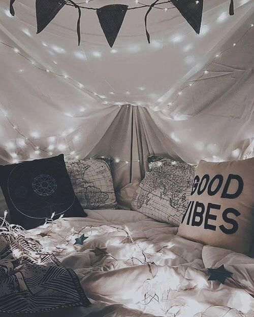 Top 19 romantic valentines day date ideas blanket forts for Fort bedroom ideas