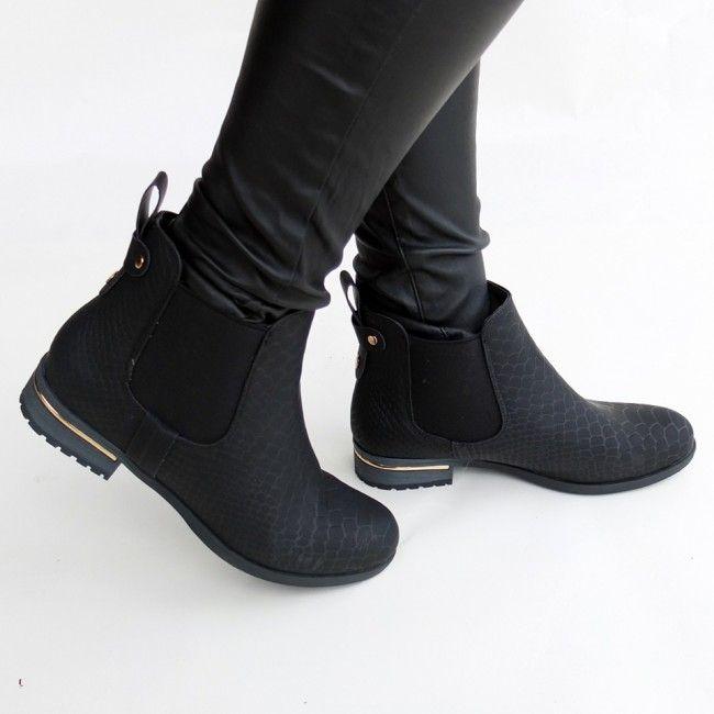 chelsea boots met slangenprint | Awesome shoes | Shoes