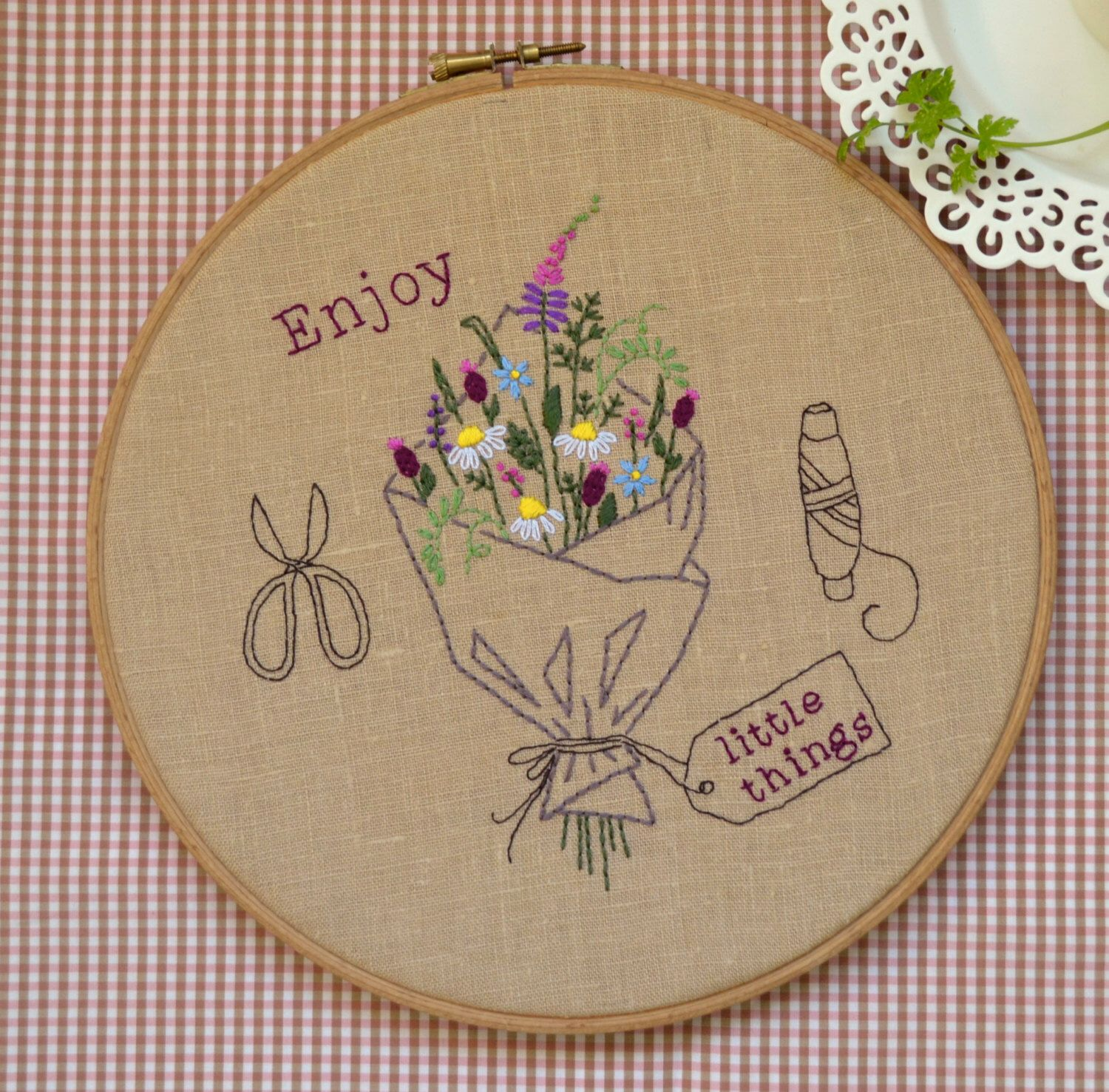 Hand embroidery hoop art embroidery hoop DIY Gift embroidery
