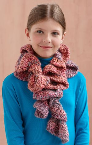 Painted Ruffle Scarf...made this in the dark grey for my mom! Very ...