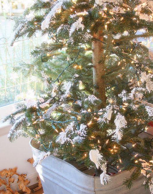 Recipe For Homemade Snow Using Ivory Soap Christmas Decorations Ivory Soap Christmas Yard Decorations