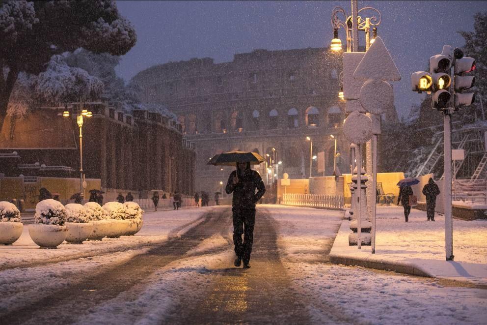 Maltempo neve a Roma, la città imbiancata Imbiancare
