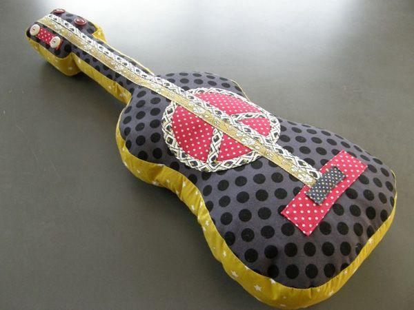 pour mes jolis mômes, mais pas que...: Guitares galerie