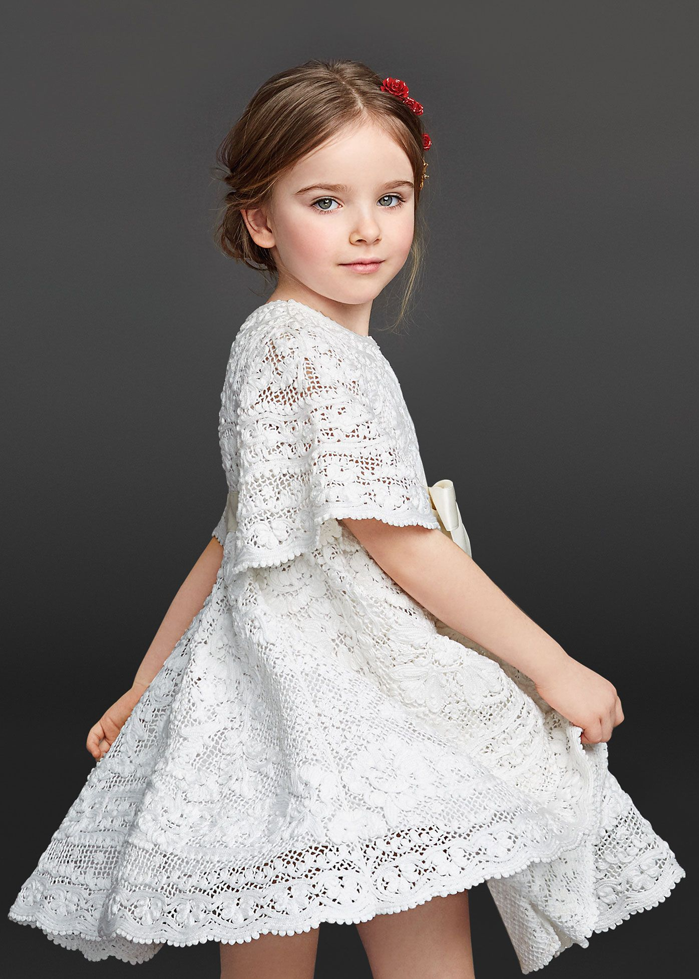 c54d1d9c7 Moda para niñas. Billedresultat for tecido para vestido rosa. Dolce    Gabbana Children Winter Collection 2016