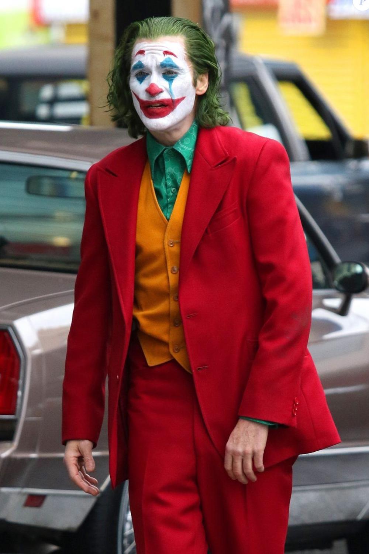 Movie Review Joker Joaquin Pheonix in 2020