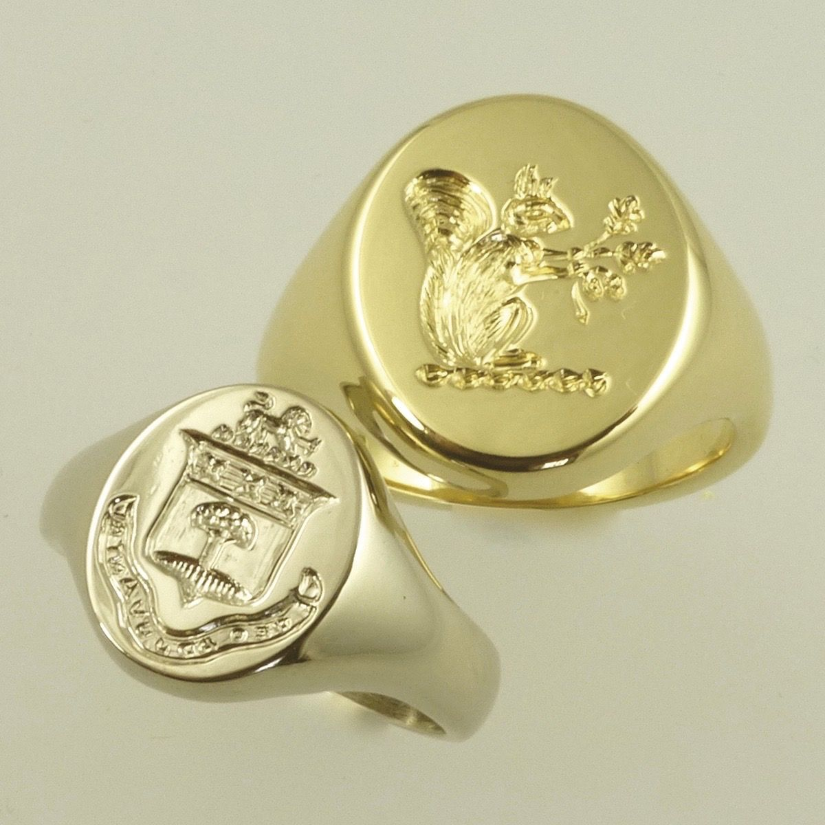 Boys and girls signet rings in white or yellow gold | Rings ...