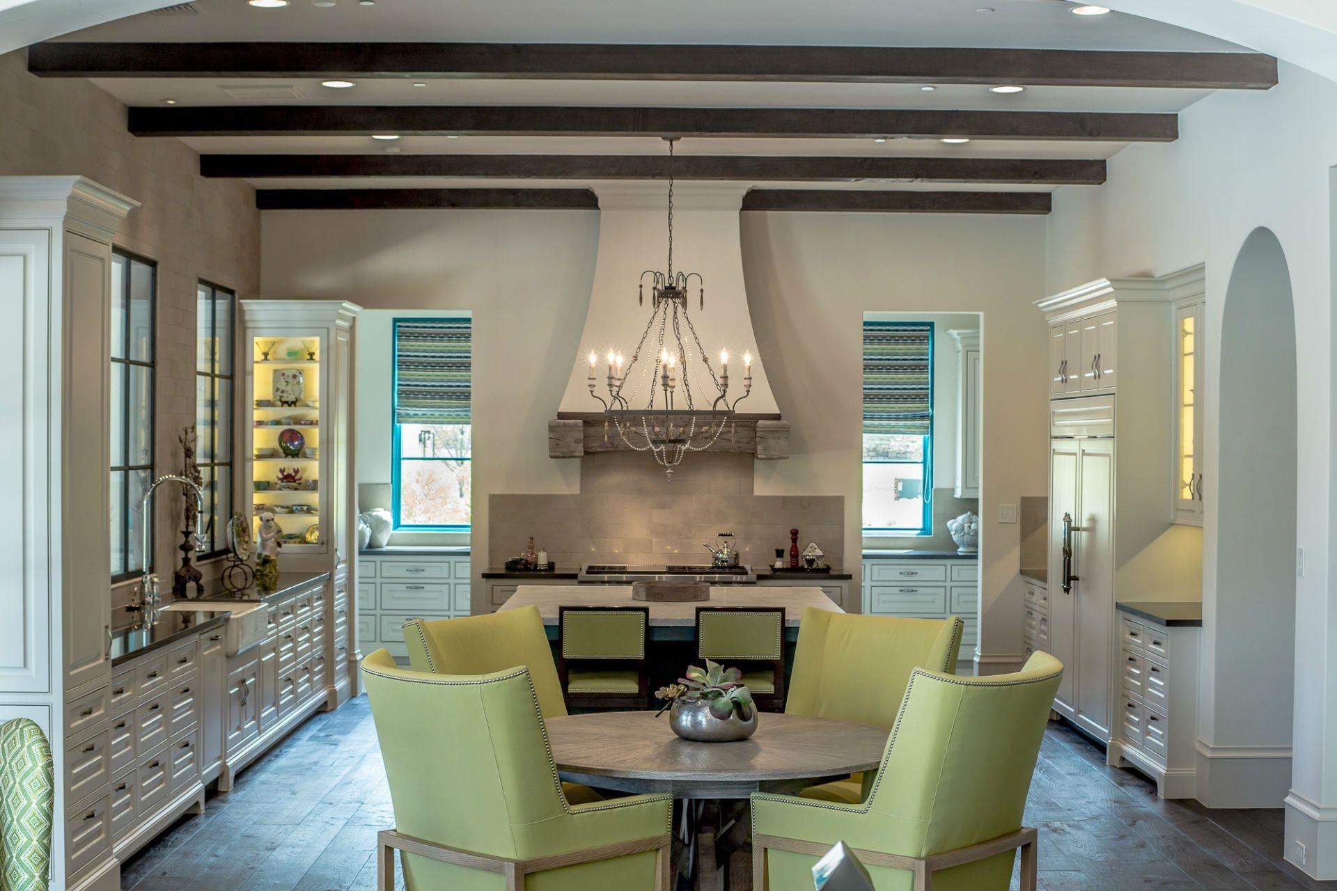 From Pristine Concrete Ornaments To Sculpted White Stucco. House Tour Santa  Barbara Style In La Jolla Interior Design