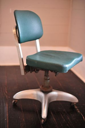 50 S Goodform Aluminum Office Chair Furniture Living Spaces