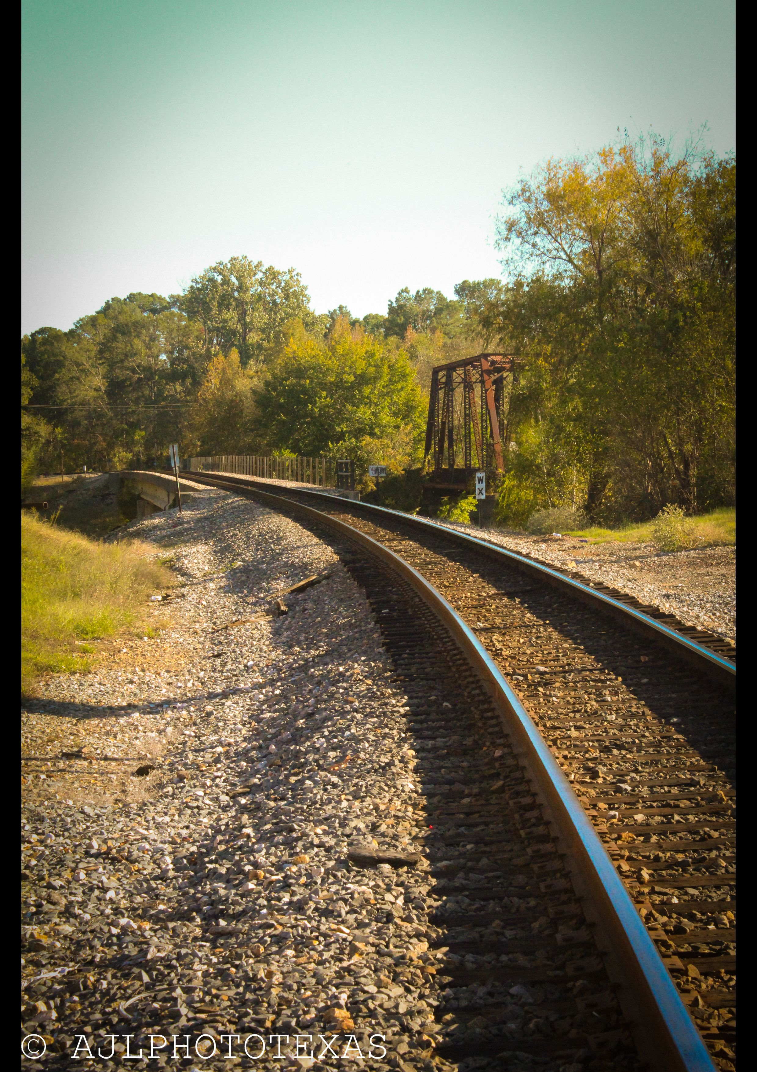 Railroad Tracks Next To The Antique Red Mill Barn Place Jefferson Tx Places To Visit Railroad Tracks Places